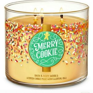 Bath & Body Works Merry Cookie 3-Wick Candle